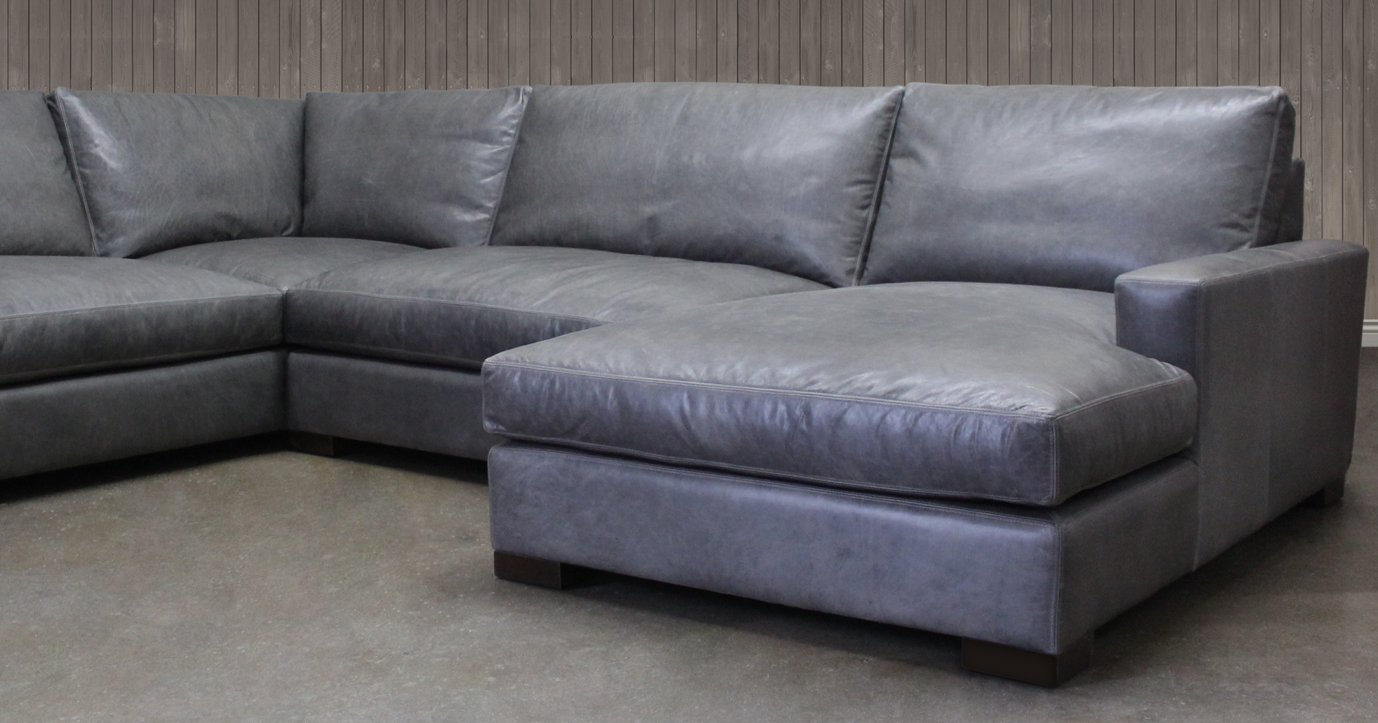 Braxton L Sectional Sofa with Chaise in Italian Berkshire Pewter Leather