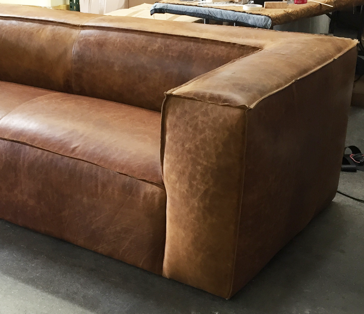 Mitt Sofa in Italian Brentwood Tan Leather